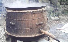 农村酿酒小作坊创业